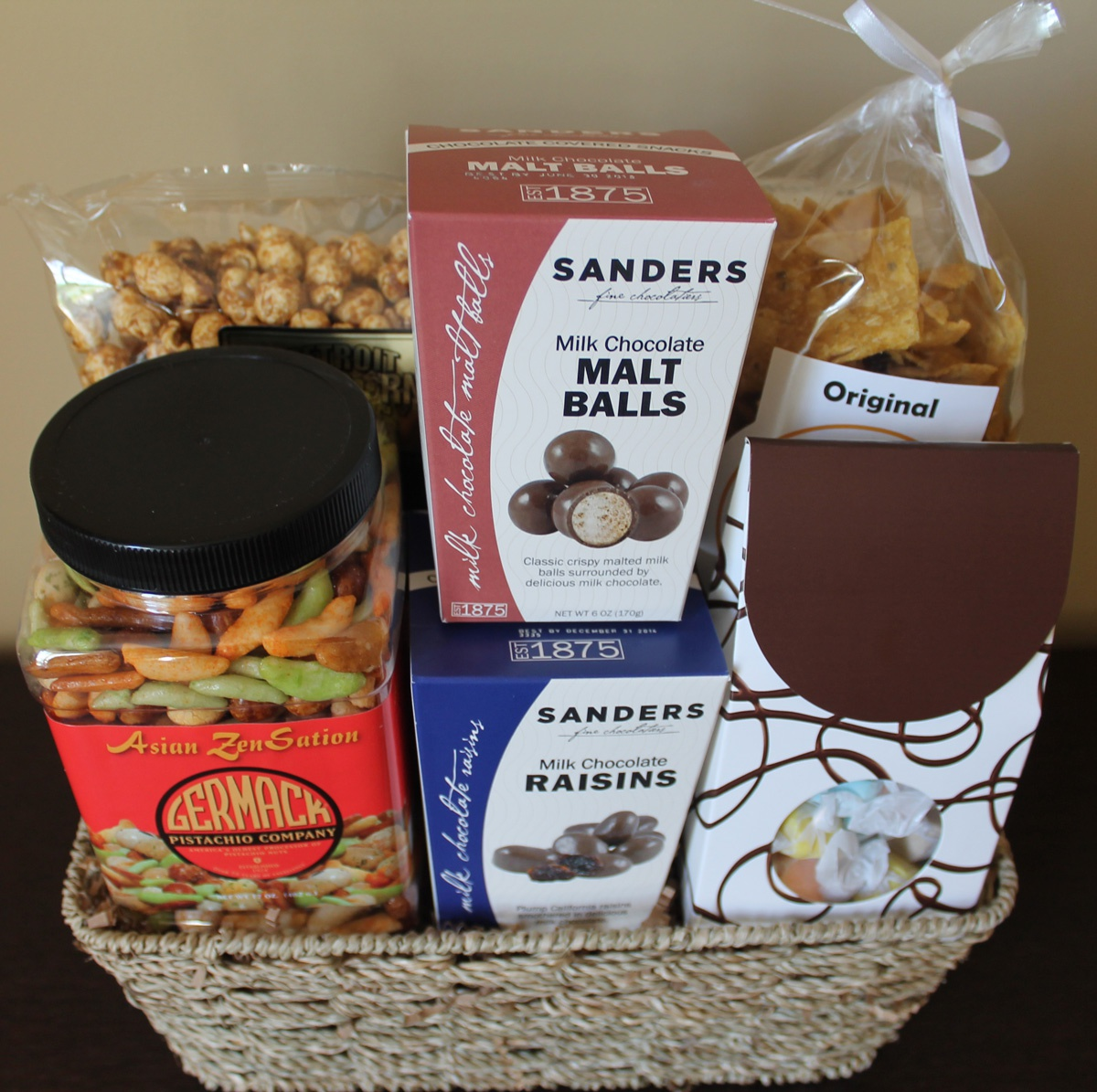Baskets and More - Deluxe Michigan Made Basket