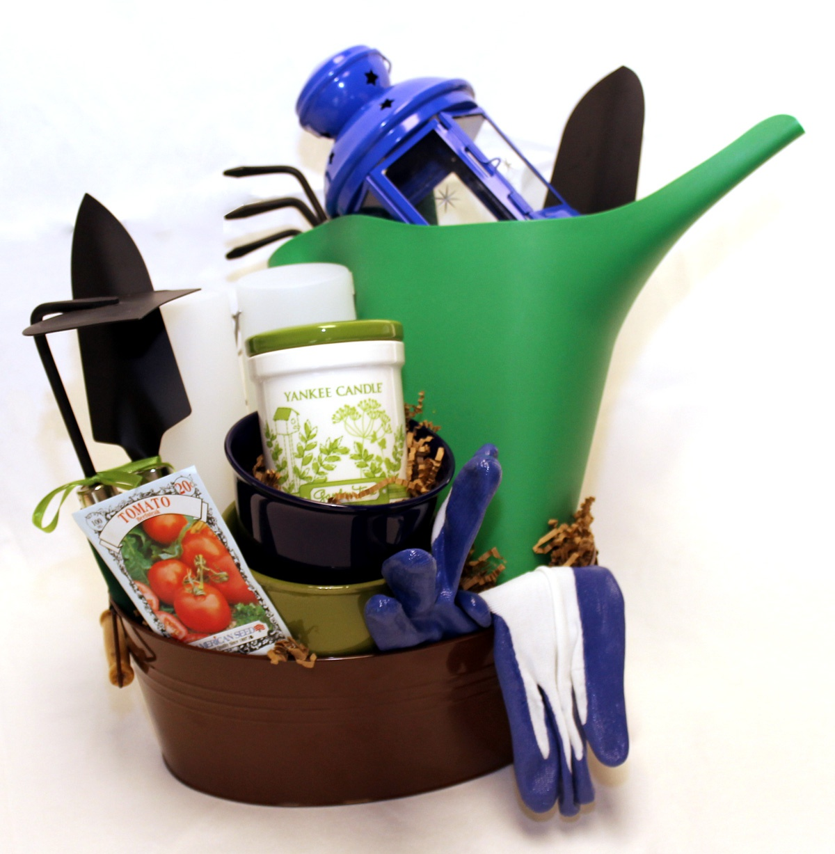 Custom gift basket with gardening tools